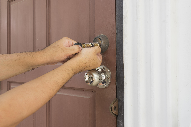 Ouvrir une porte claquée: comment procéder?